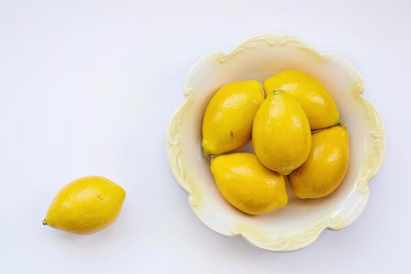 Lemons are amazing and so versatile! Cleaning, health, beauty... the list goes on and on! Check out these 16 fabulous uses for a lemon!