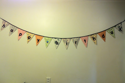 Want a beautiful birthday decoration that you can use year after year? Here are some tips on how to sew a stunning happy birthday banner. #sewing #birthdaydecor