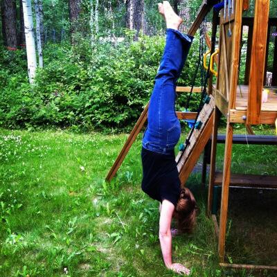 Handstand 365