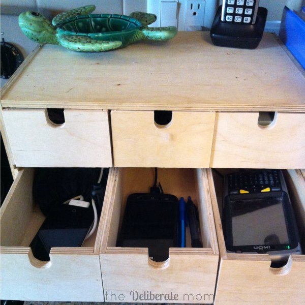 Easy Peasy Diy Electronics Charging Station The