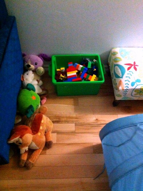 Homeschooling curriculum ideas: making a children's library