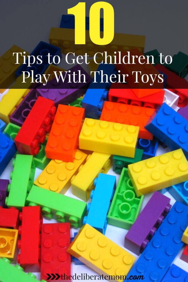 Do your children have lots of toys but complain they're bored? Here are 10 great tips to get children to play with their toys! #playwithtoys #parentingtips