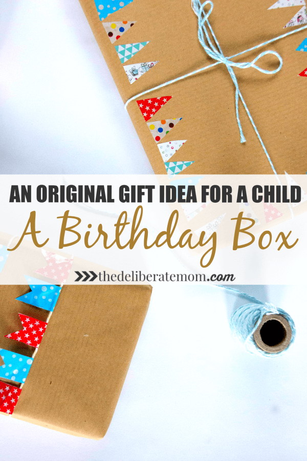 OMG you won't believe this! Check out this amazing and original gift idea for a child! It's a birthday box! I wish I had this when I was a kid!