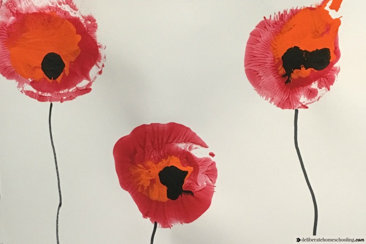 Poppy painting with balloons - a Remembrance Day craft / Veterans Day craft.