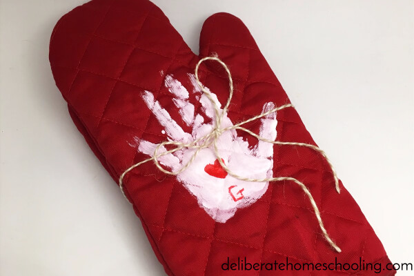May Preschool Calendar Activity - Make this cute Mother's Day Gift: Handprint Oven Mitts!