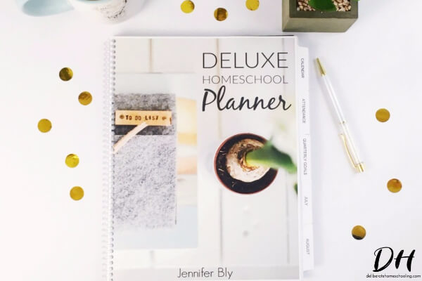 This deluxe homeschool planner will keep you and your homeschool organized!