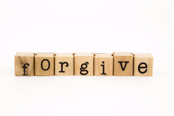 Forgiving themselves is one of 5 things moms need to do more often! Chore cards are a great way to delegate tasks!