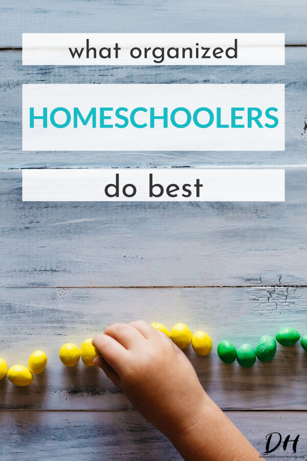 Are you wishing you could be a more organized homeschooler so that you don't have to encounter confusion and chaos every single year?! Organization doesn't have to be a struggle! In fact, here are some things that the organized homeschooler does best. #homeschoolingtip #organizedhomeschooler #homeschoolorganization
