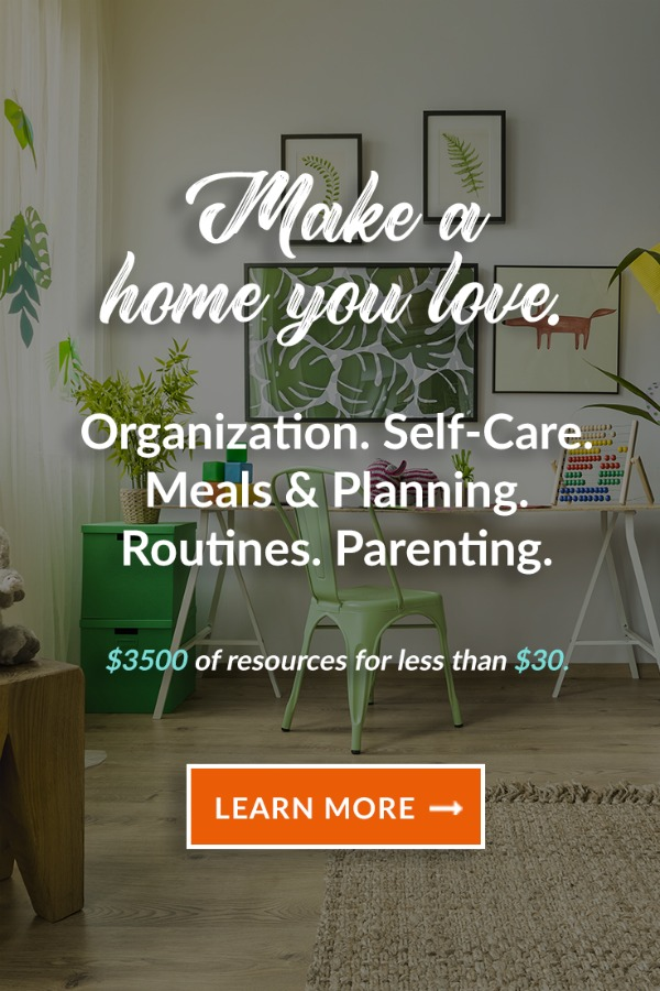 The 2018 Ultimate Homemaking Bundle IS the best one yet! Come see all the goodies and find out how you can get over $3600 in valuable homemaking resources for under $30!